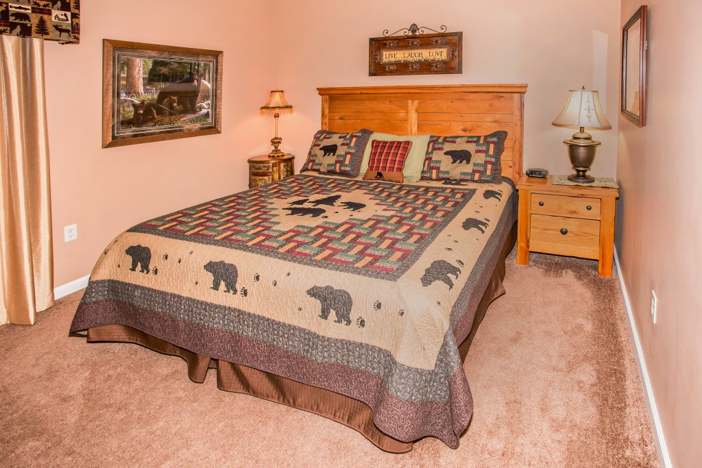 Photo of a Pigeon Forge Condo named Bear Crossing 101 - This is the seventh photo in the set.