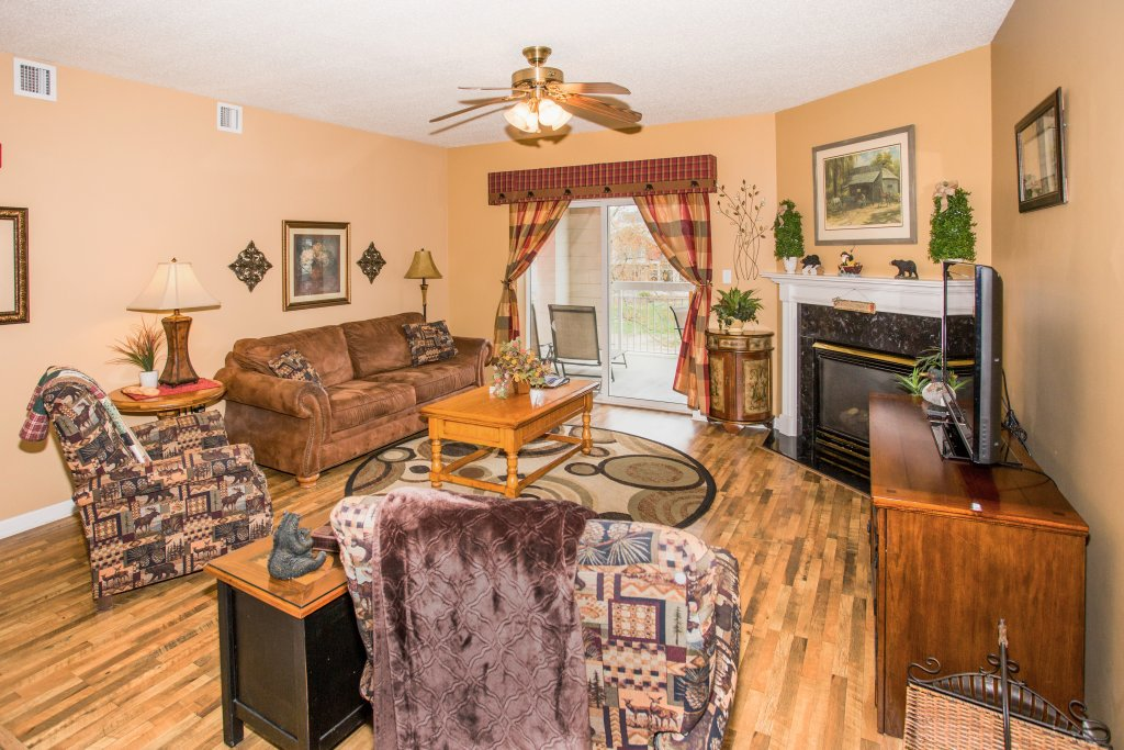 Photo of a Pigeon Forge Condo named Bear Crossing 101 - This is the second photo in the set.