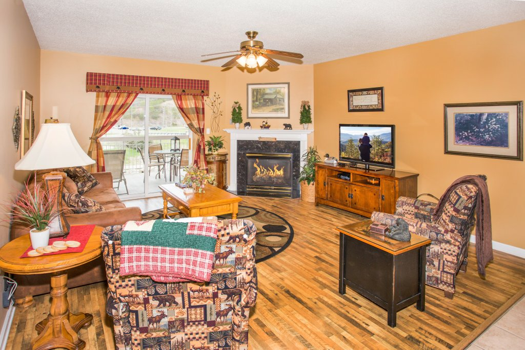Photo of a Pigeon Forge Condo named Bear Crossing 101 - This is the first photo in the set.