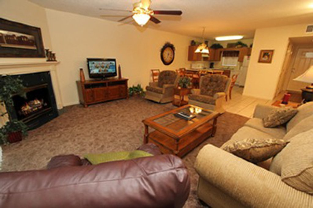 Photo of a Pigeon Forge Condo named Whispering Pines 614 - This is the third photo in the set.