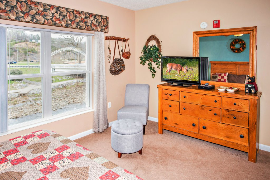 Photo of a Pigeon Forge Condo named Bear Crossing 101 - This is the fifth photo in the set.
