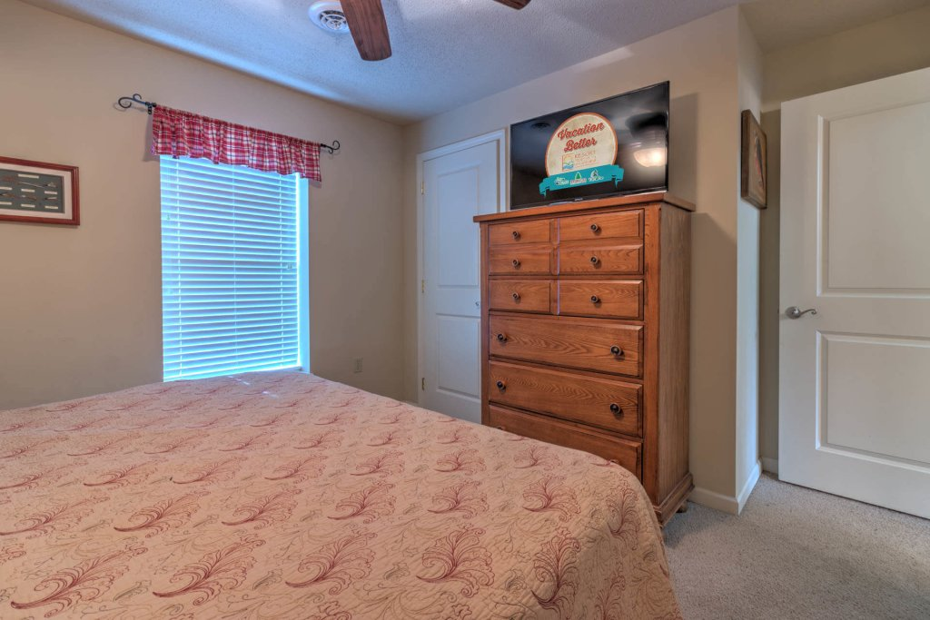 Photo of a Pigeon Forge Condo named Cedar Lodge 701 - This is the twelfth photo in the set.