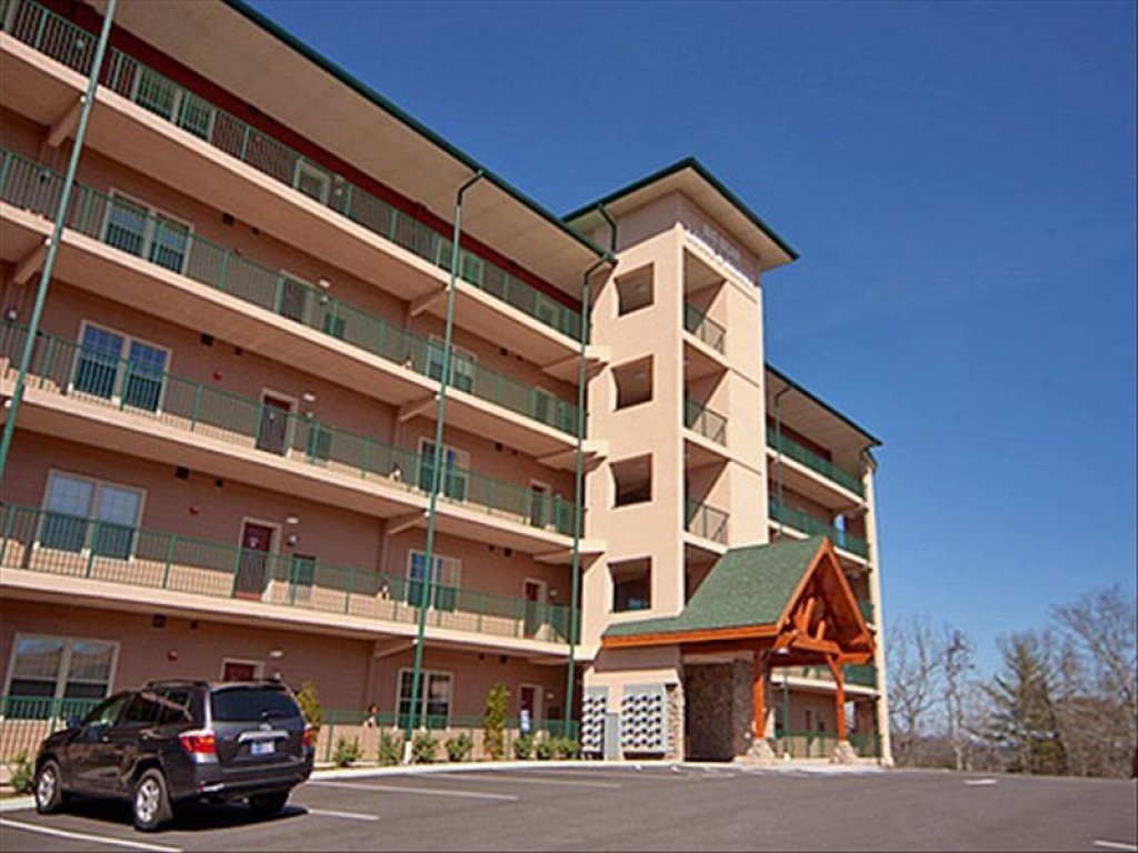 Photo of a Pigeon Forge Condo named 4002 Big Bear Resort - This is the fourth photo in the set.