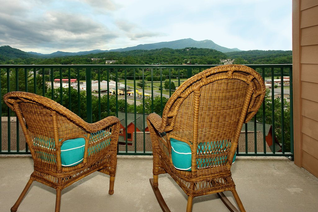 Photo of a Pigeon Forge Condo named 4002 Big Bear Resort - This is the fifth photo in the set.
