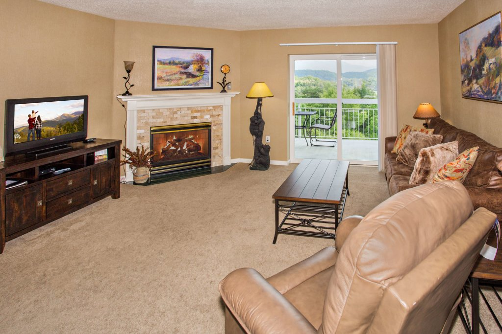 Photo of a Pigeon Forge Condo named Whispering Pines 451 - This is the second photo in the set.