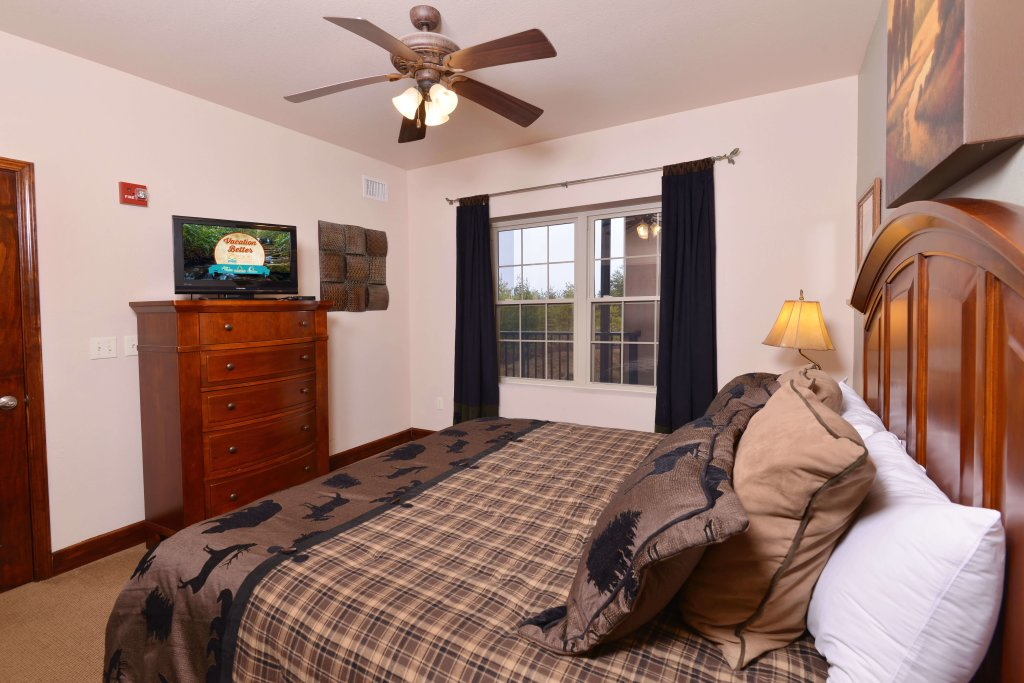Photo of a Pigeon Forge Condo named 4002 Big Bear Resort - This is the twenty-first photo in the set.
