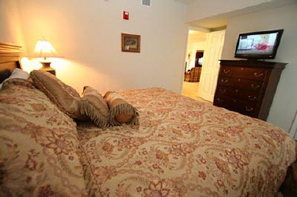 Photo of a Pigeon Forge Condo named Whispering Pines 513 - This is the first photo in the set.