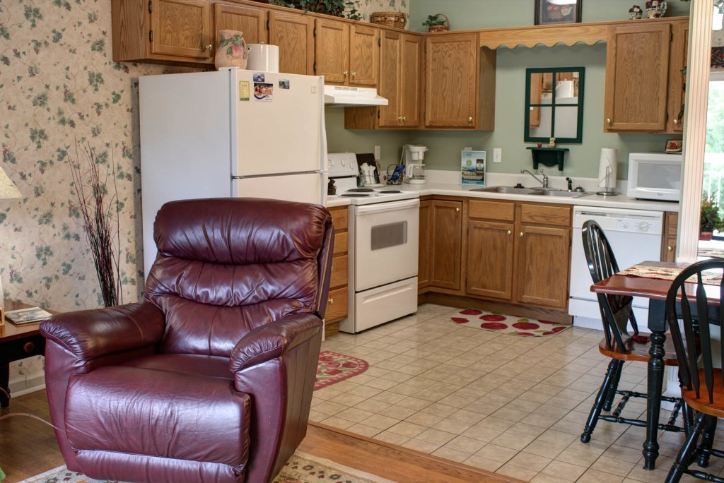 Photo of a Pigeon Forge Condo named Whispering Pines 421 - This is the second photo in the set.