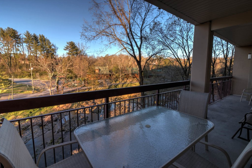 Photo of a Pigeon Forge Condo named Cedar Lodge 201 - This is the second photo in the set.