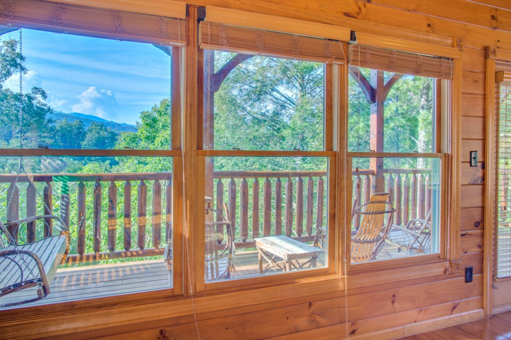 Photo of a Gatlinburg Cabin named Gatlinburg Majesty - This is the fiftieth photo in the set.