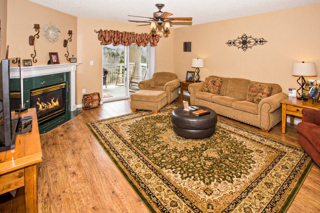 Photo of a Pigeon Forge Condo named Whispering Pines 532 - This is the second photo in the set.