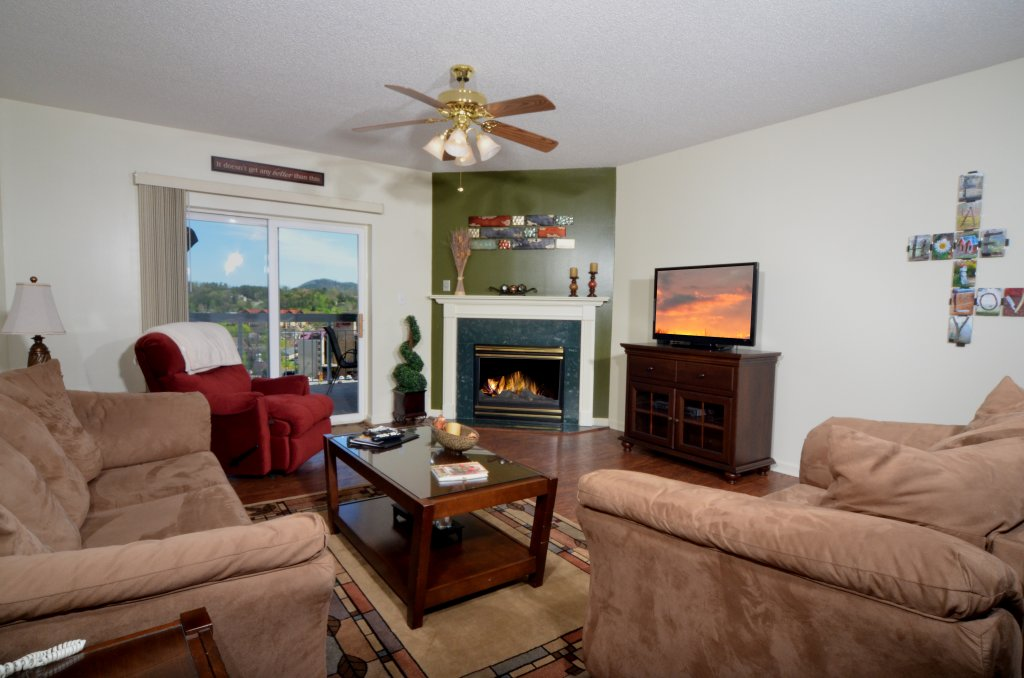 Photo of a Pigeon Forge Condo named Whispering Pines 133 - This is the first photo in the set.