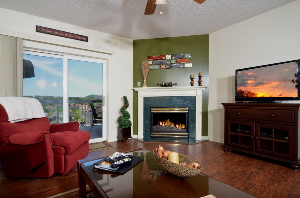 Photo of a Pigeon Forge Condo named Whispering Pines 133 - This is the second photo in the set.