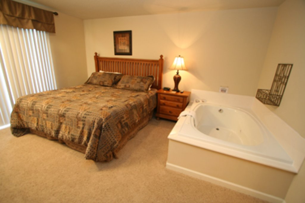 Photo of a Pigeon Forge Condo named Cedar Lodge 705 - This is the sixth photo in the set.