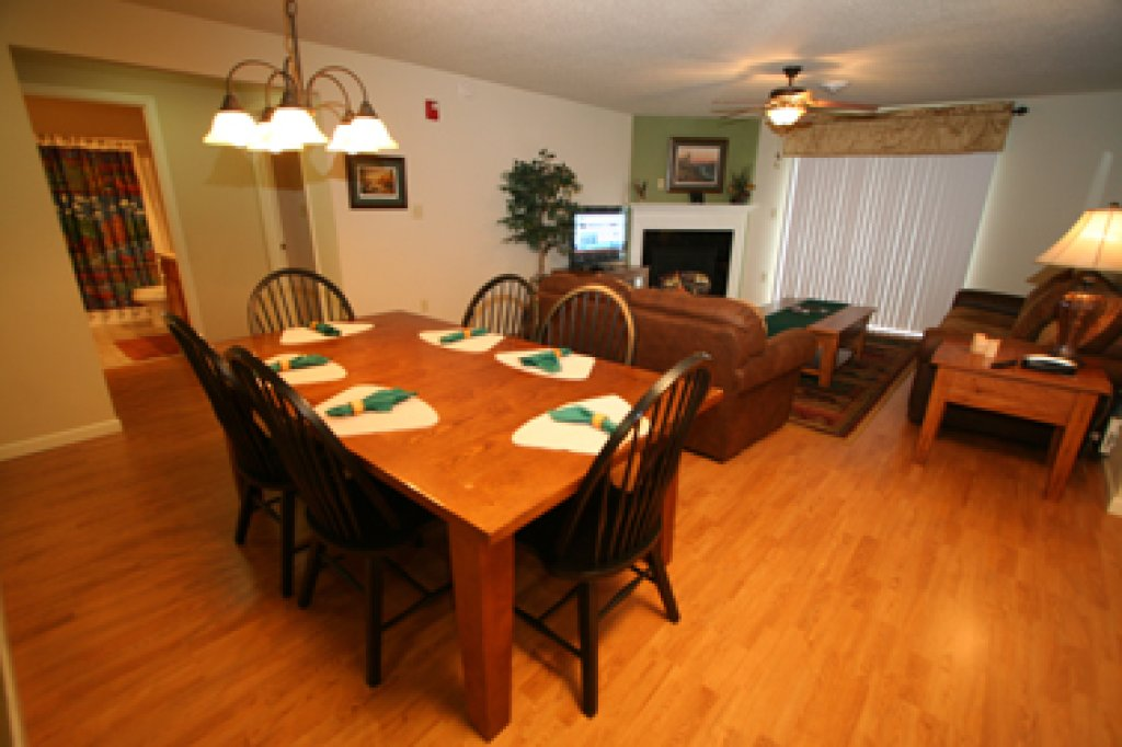 Photo of a Pigeon Forge Condo named Cedar Lodge 705 - This is the third photo in the set.