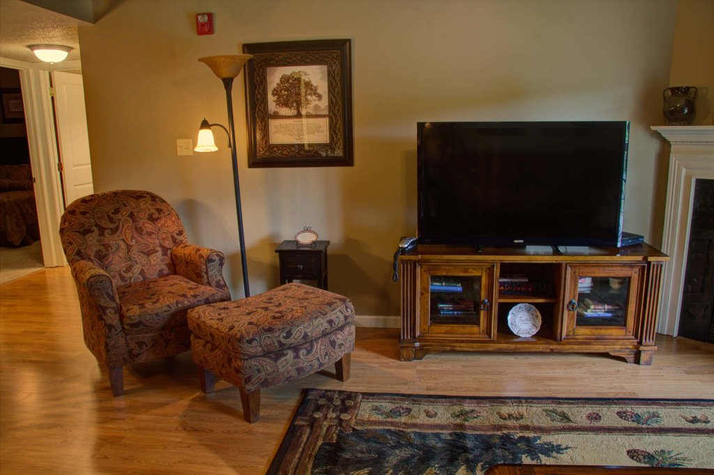Photo of a Pigeon Forge Condo named Cedar Lodge 505 - This is the first photo in the set.
