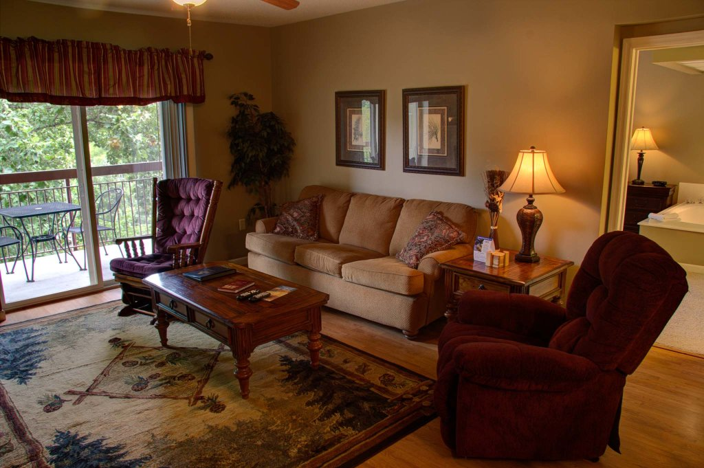 Photo of a Pigeon Forge Condo named Cedar Lodge 505 - This is the third photo in the set.