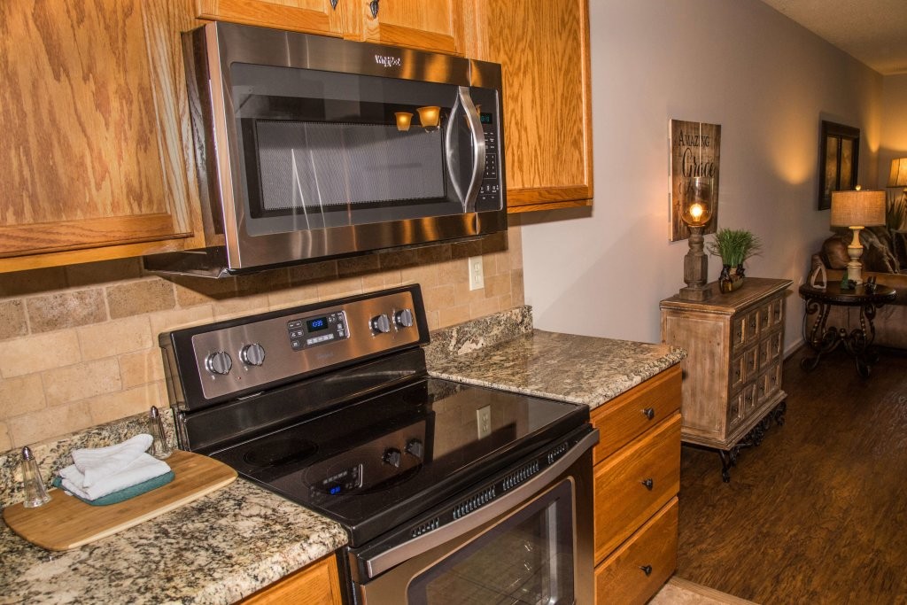 Photo of a Pigeon Forge Condo named Cedar Lodge 402 - This is the sixth photo in the set.