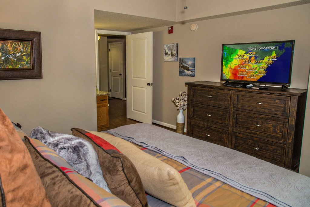 Photo of a Pigeon Forge Condo named Cedar Lodge 402 - This is the eighth photo in the set.