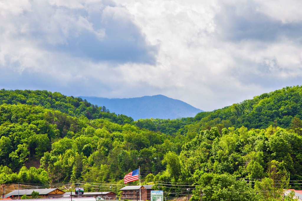 Photo of a Pigeon Forge Condo named Cedar Lodge 402 - This is the seventeenth photo in the set.