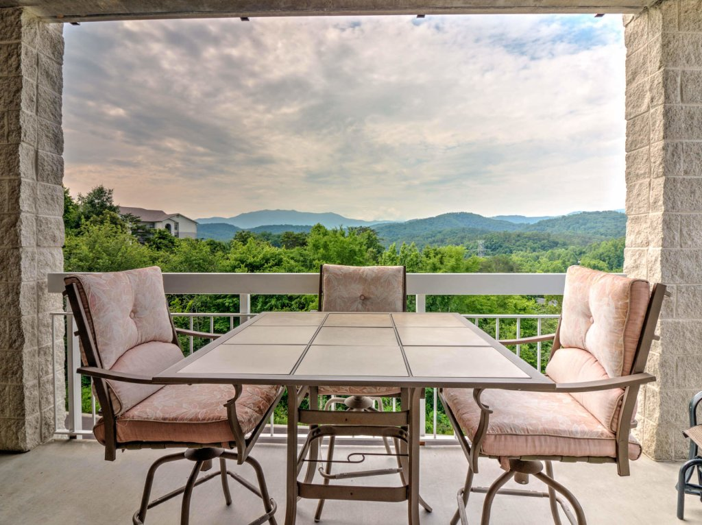 Photo of a Pigeon Forge Condo named Whispering Pines 441 - This is the first photo in the set.