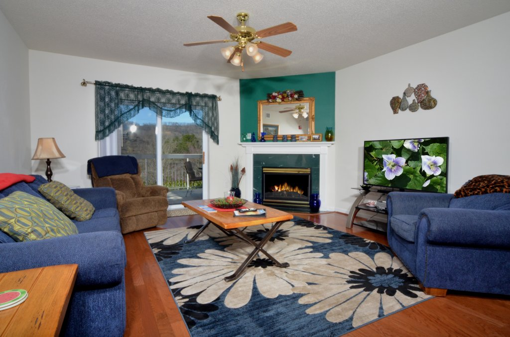Photo of a Pigeon Forge Condo named Whispering Pines 511 - This is the first photo in the set.