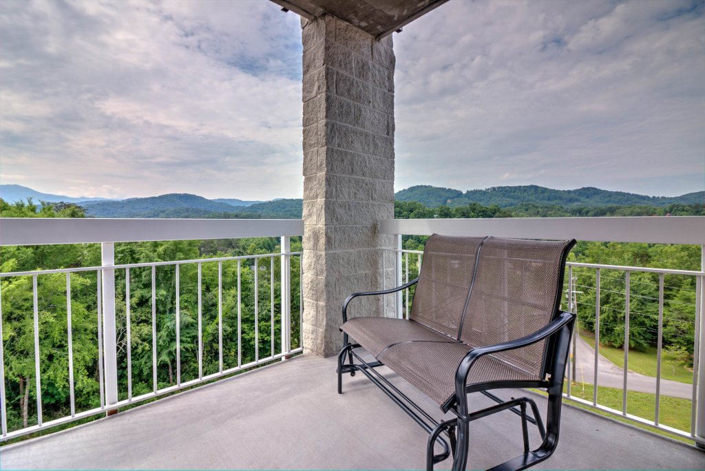 Photo of a Pigeon Forge Condo named Whispering Pines 441 - This is the sixteenth photo in the set.