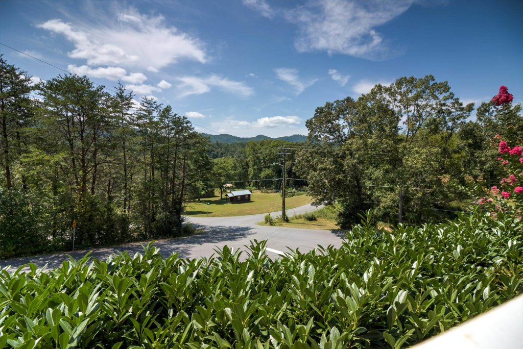 Photo of a Pigeon Forge Condo named Whispering Pines 611 - This is the second photo in the set.