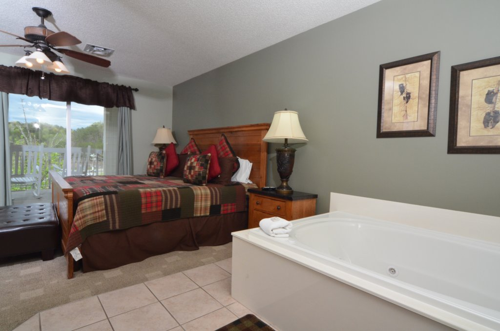 Photo of a Pigeon Forge Condo named Bear Crossing 502 - This is the tenth photo in the set.