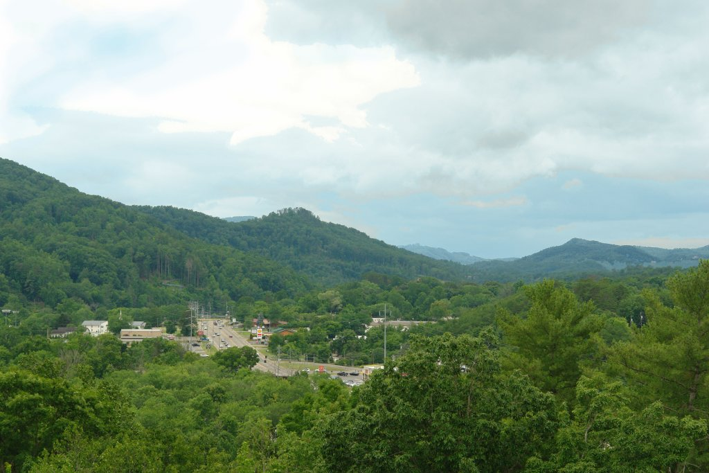 Photo of a Pigeon Forge Condo named 3004 Big Bear Resort - This is the fourth photo in the set.
