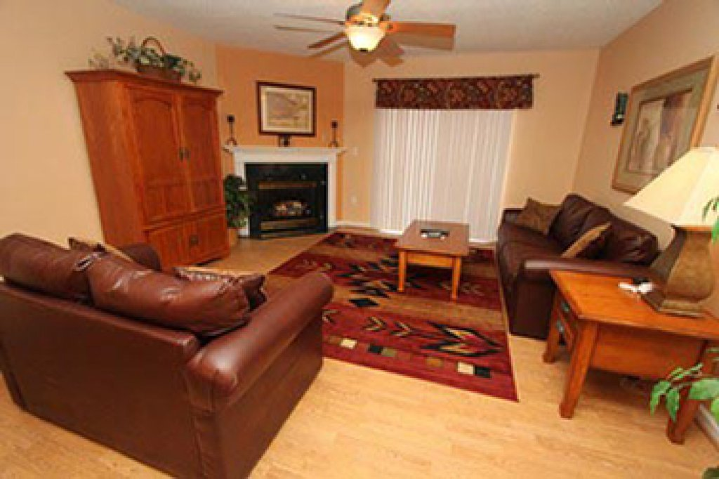Photo of a Pigeon Forge Condo named Whispering Pines 631 - This is the second photo in the set.
