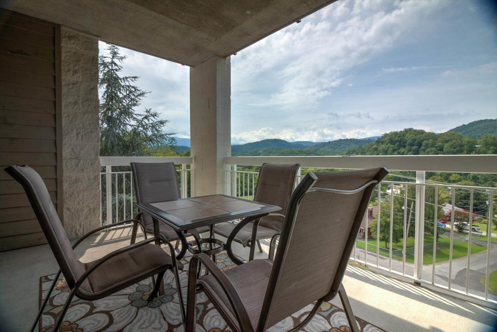 Photo of a Pigeon Forge Condo named Whispering Pines 531 - This is the second photo in the set.