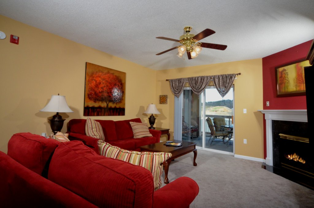 Photo of a Pigeon Forge Condo named Bear Crossing 402 - This is the third photo in the set.