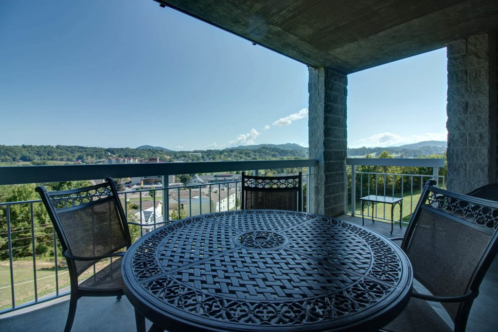 Photo of a Pigeon Forge Condo named Whispering Pines 114 - This is the third photo in the set.