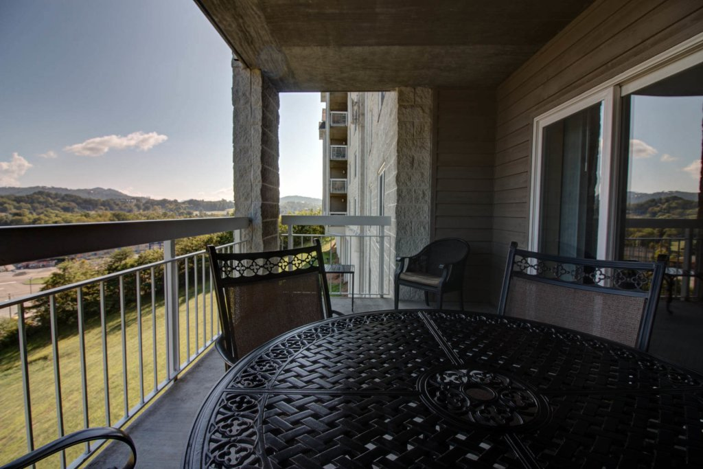Photo of a Pigeon Forge Condo named Whispering Pines 114 - This is the second photo in the set.