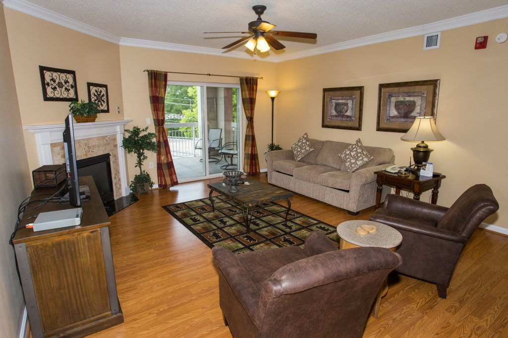 Photo of a Pigeon Forge Condo named Bear Crossing 303 - This is the third photo in the set.
