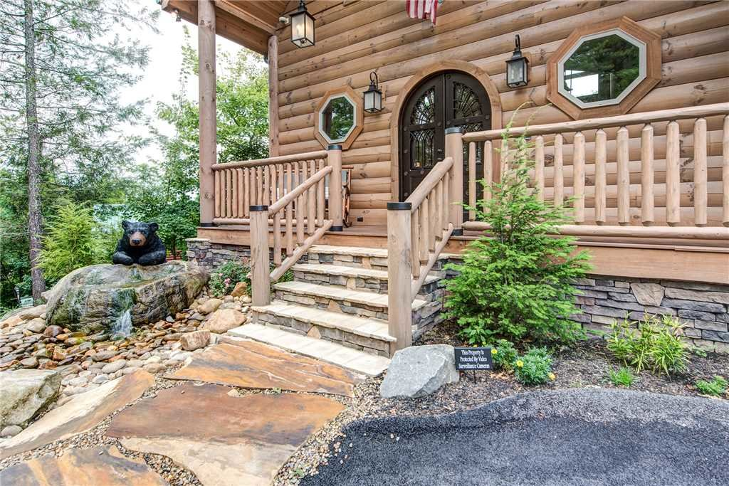 Photo of a Gatlinburg Cabin named Bear Elegance - This is the thirty-fourth photo in the set.