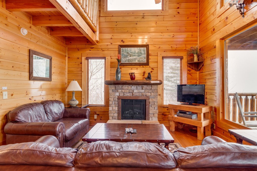 Photo of a Pigeon Forge Cabin named The Greenbrier 2934 - This is the third photo in the set.