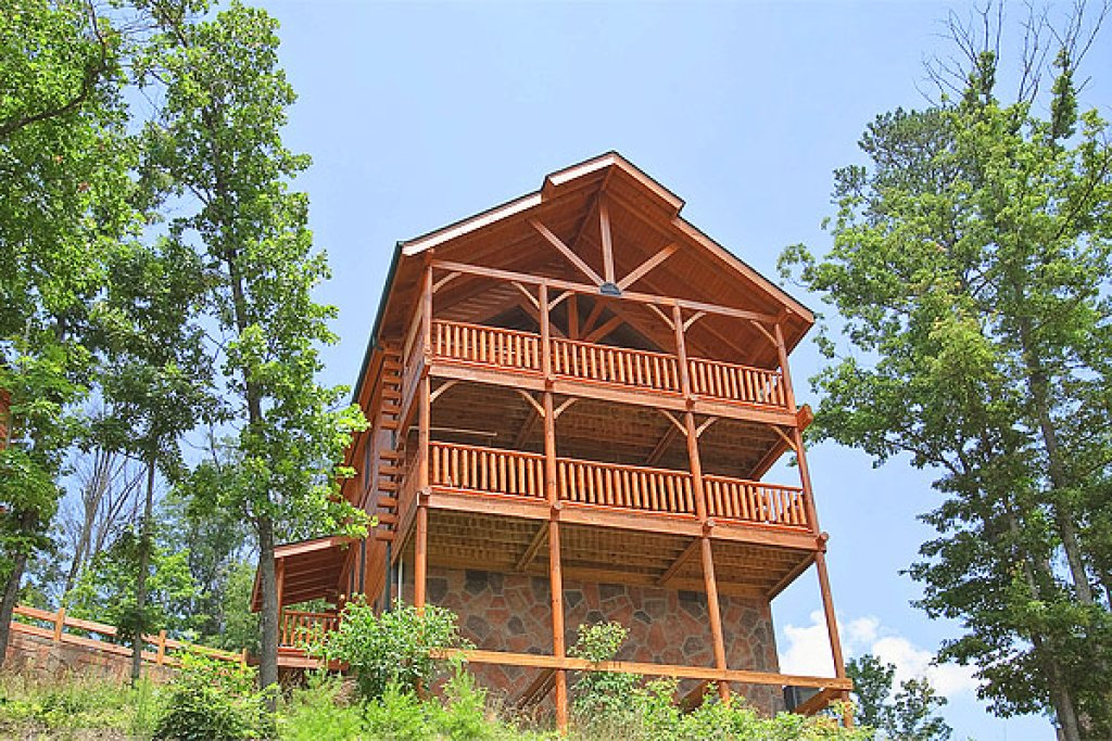 Photo of a Pigeon Forge Cabin named The Greenbrier 2934 - This is the thirty-third photo in the set.