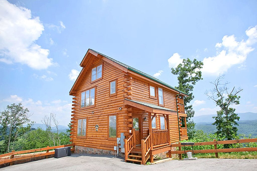 Photo of a Pigeon Forge Cabin named The Greenbrier 2934 - This is the first photo in the set.