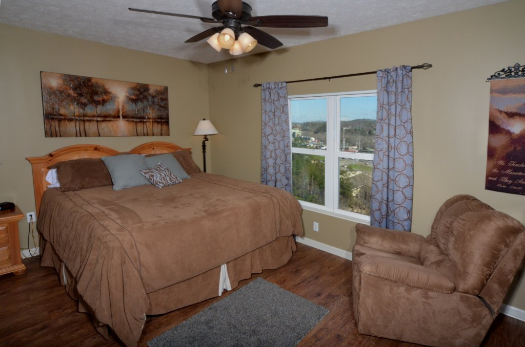 Photo of a Pigeon Forge Condo named Whispering Pines 232 - This is the ninth photo in the set.