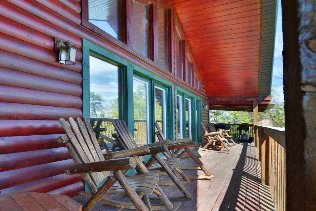 Photo of a Pigeon Forge Cabin named Majestic Views - This is the ninth photo in the set.