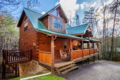 The Perfect 1 Bedroom 2 Bath Custom Log Cabin