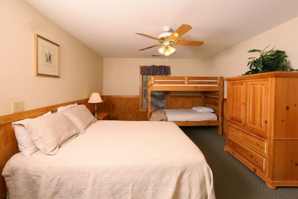 Photo of a Pigeon Forge Cabin named Magnolia Place Unit 2 (#5) - This is the nineteenth photo in the set.