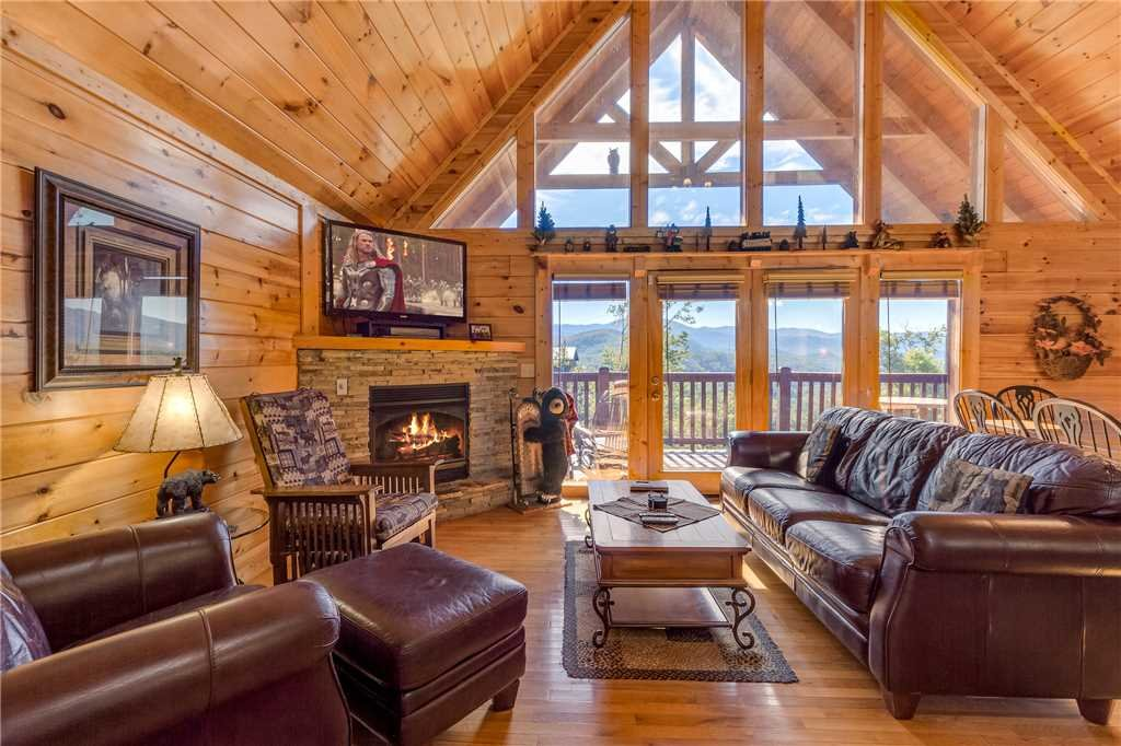 Photo of a Gatlinburg Cabin named Closer To Home - This is the first photo in the set.