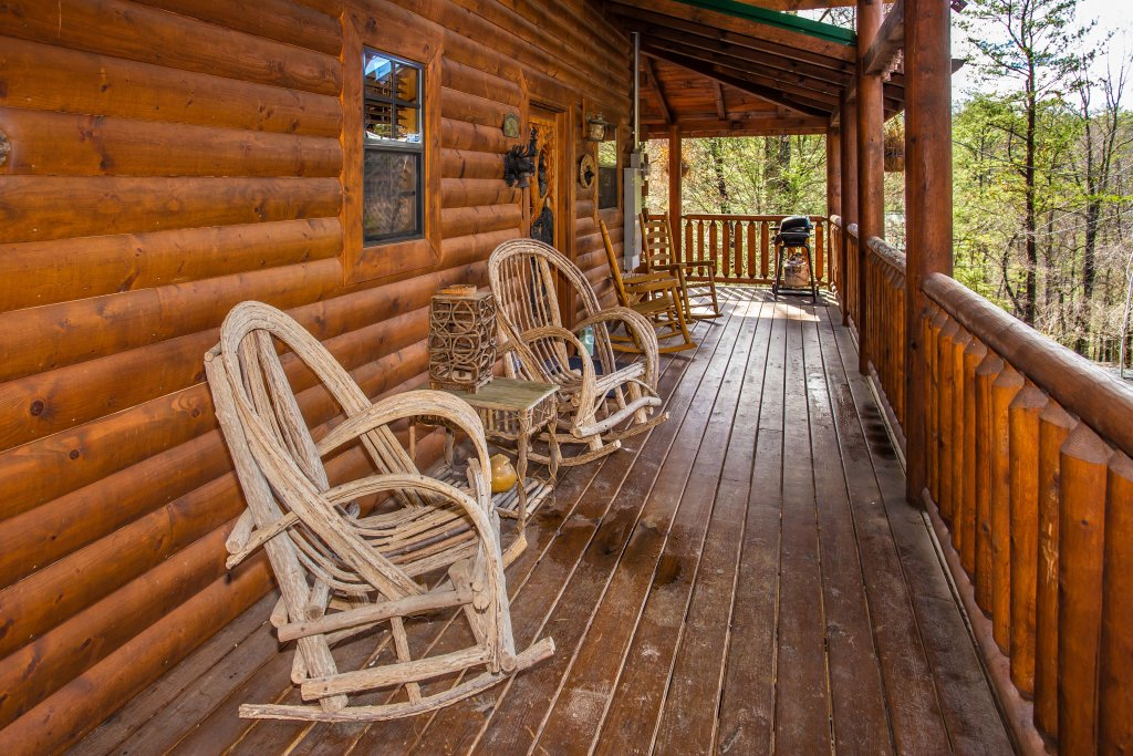 Photo of a Pigeon Forge Cabin named Our Secret Place - This is the third photo in the set.