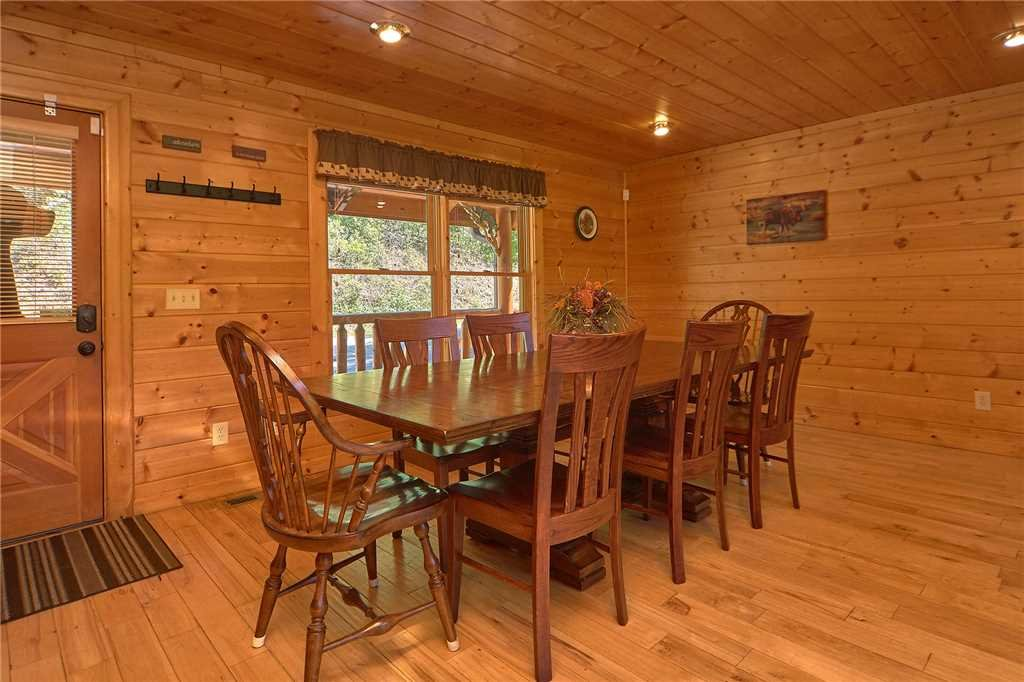 Photo of a Gatlinburg Cabin named Changes In Latitude - This is the sixth photo in the set.