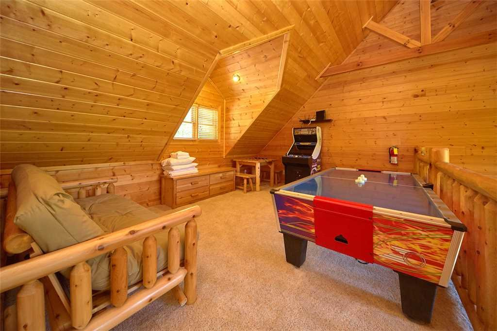 Photo of a Gatlinburg Cabin named Changes In Latitude - This is the eighth photo in the set.