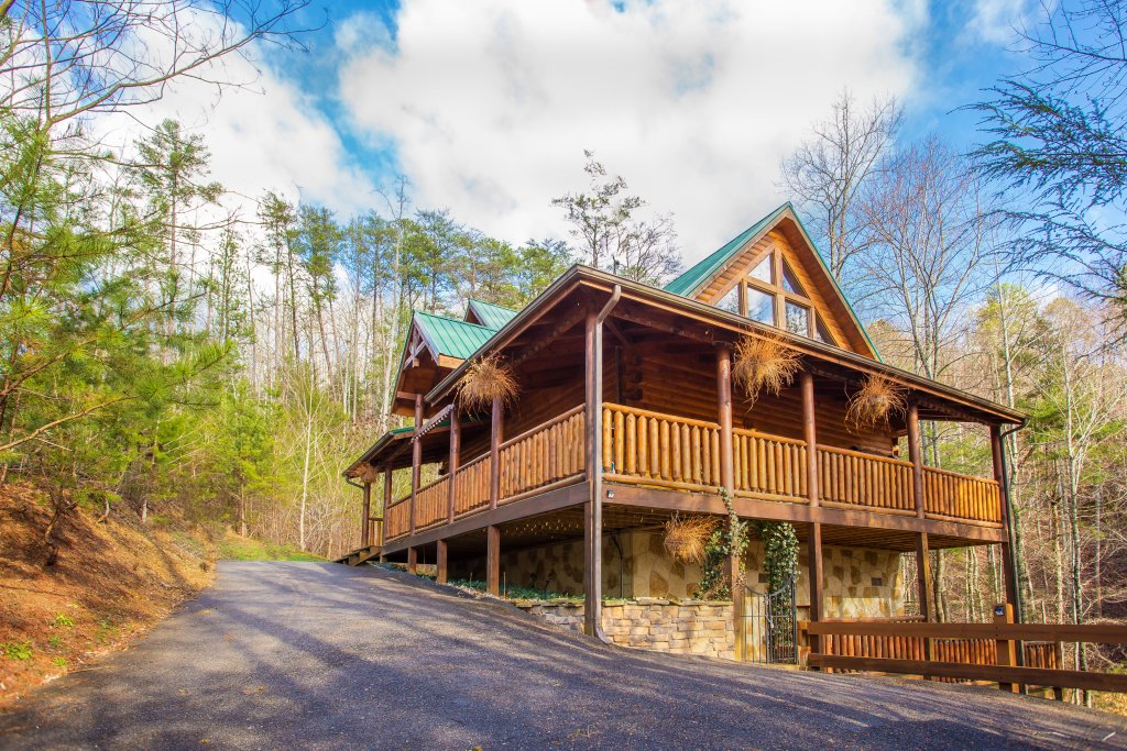 Photo of a Pigeon Forge Cabin named Our Secret Place - This is the fifth photo in the set.