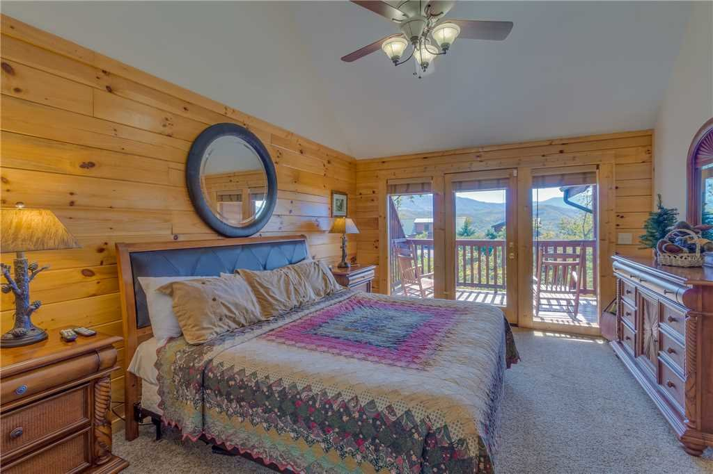 Photo of a Gatlinburg Cabin named Closer To Home - This is the fifteenth photo in the set.
